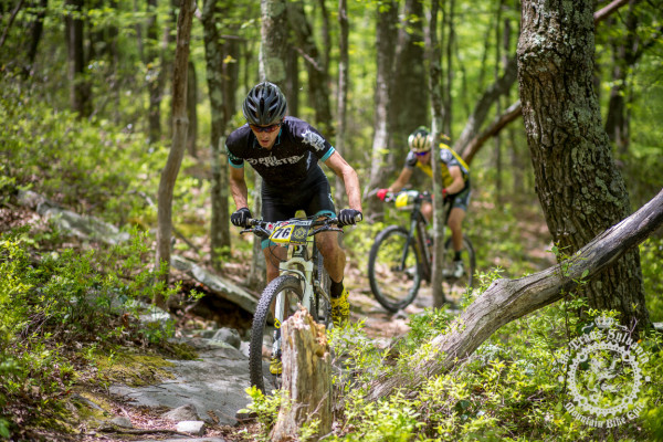Nick Waite leads Jeremiah Bishop (Sho-Air/Cannondale) through the technical singletrack