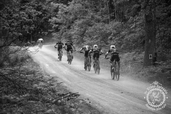 Riders chase down a breakaway at the NoTubes Trans-Sylvania Epic.