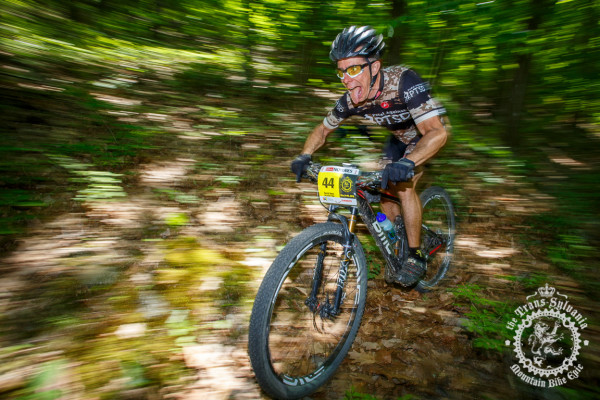 David Ness enjoys a fast descent in the NoTubes Trans-Sylvania Epic.