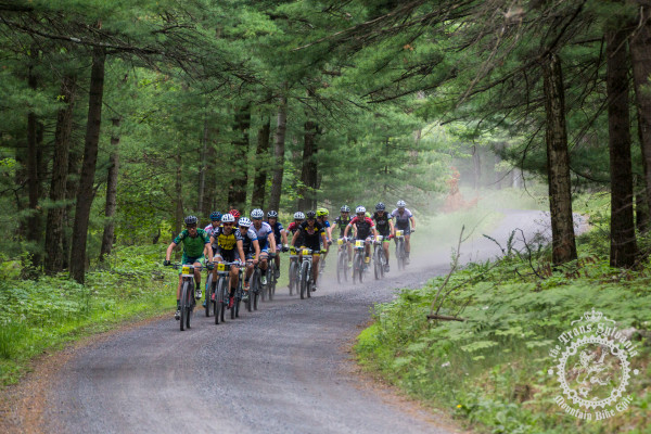 The lead breakaway early on in stage 4 at the NoTubes Trans-Sylvania Epic.